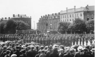 Defile-libération-Charleroi